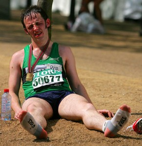 Marathon-runner-collapsed-291x300